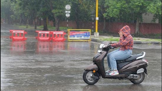 This year, since the onset of monsoon in June, 456.9mm rain has been recorded against a normal of 756.1mm – a shortfall of 40%. (HT Photo)