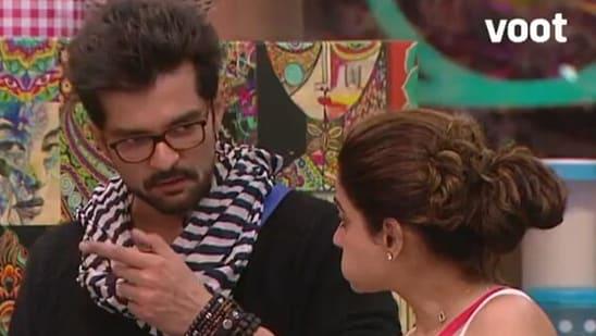 Shamita Shetty said that she does not want Raqesh Bapat talking to Divya Agarwal.