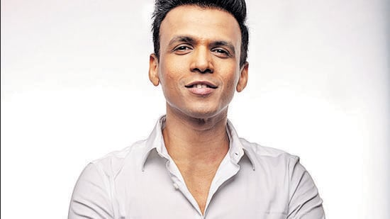 """Abhijeet Sawant says, """"I have poured my feelings for Bappa in this new song and I hope people like it."""""""