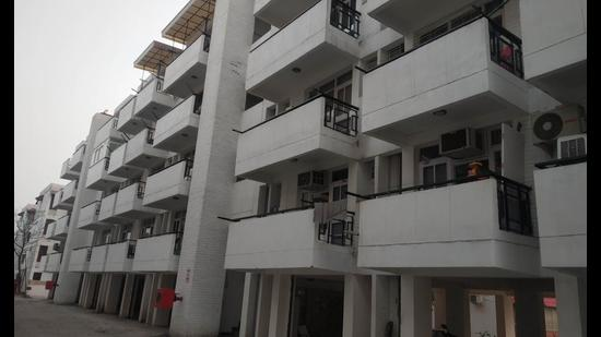 Most of the commercial properties on auction by Chandigarh Housing Board are located in Manimajra and Sector 61. Some are also available in Sectors 38W, 40A and 51A (HT FILE PHOTO)