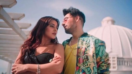 Shehnaaz Gill with Tony Kakkar in the music video for Kurta Pajama.