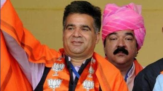 J&K BJP chief Ravinder Raina on Friday sharply reacted to Congress leader Rahul Gandhi's remark. (HT file photo)