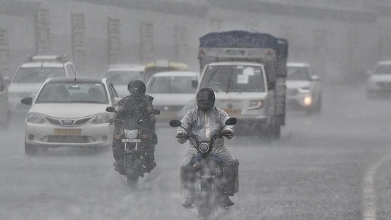 According to scientists, Delhi has witnessed seven heavy rain events (64.4mm rainfall and above) this year, the highest ever.(Sanchit Khanna/HT Photo)