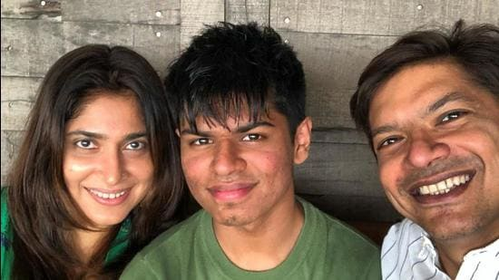 Singer Shaan with his wife Radhika and son Soham