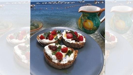 Homemade Lemon Ricotta & tomato crostini shot in Sorrento on the Amalfi coast(Photo by Natasha Celmi)