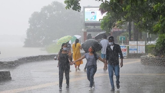 It is very likely to move west northwestwards and concentrate into a depression during the subsequent 48 hours, the bulleting further said.(HT Photo)