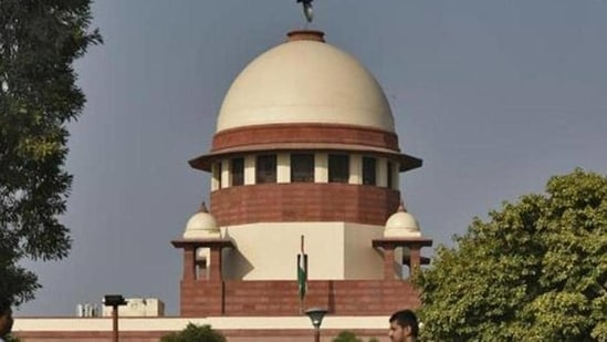 The Himachal Pradesh government told the Supreme Court that orders like the one issued by the high court have a demoralising effect on the state bureaucracy (Burhaan Kinu/HT PHOTO)