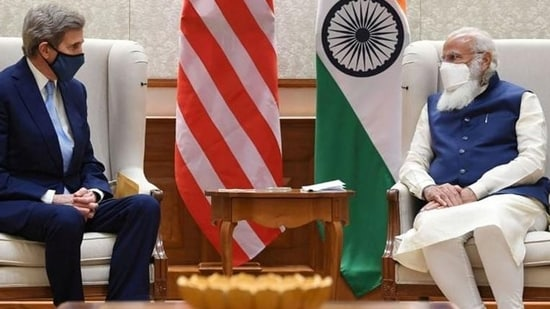 US special presidential envoy for climate John Kerry met Prime Minister Narendra Modi in New Delhi in April during his maiden visit to India.(File photo)
