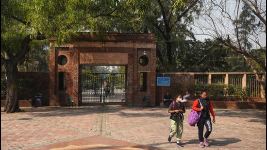 Several DU colleges and depts will start practical and laboratory work from Wednesday as part of a phased reopening plan announced last week. (HT)