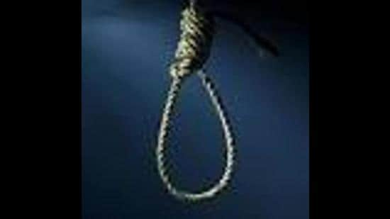 The victim recorded a video message on his mobile phone and also wrote a suicide note blaming his wife and her friend for his decision. His in-laws had helped him go to the US. (Representative Image/HT File)