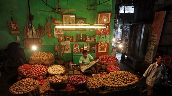 In August, most food items contracted except pulses (9.41%) and onion (62.78%).(HT file)
