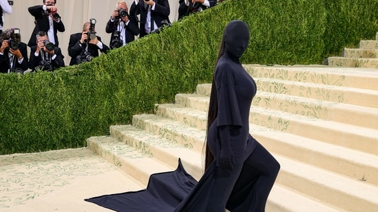 Met Gala 2021: Kim Kardashian's complete undercover Balenciaga look has a Kanye West connect(AFP)