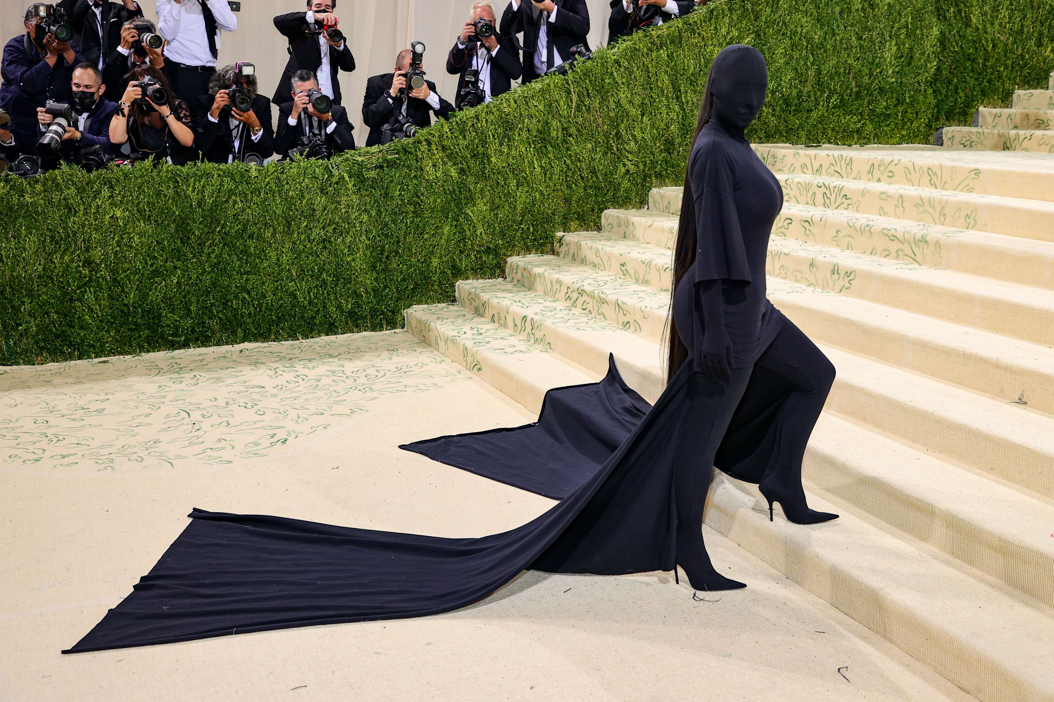 किम कार्दशियन ने 2021 मेट गाला सेलिब्रेटिंग इन अमेरिका: ए लेक्सिकॉन ऑफ फैशन(AFP) में शिरकत की