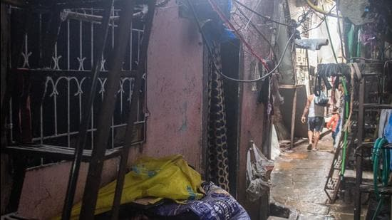 Picture of the house where Jaan Mohammad Shaikh alias Sameer Kaliya stayed with his family in Dharavi. He was allegedly part of Pakistan's organised terror module busted by Delhi Special Cell. Maharashtra ATS chief Vineet Agarwal said an ATS team visited Shaikh's residence and conducted searches, however, nothing incriminating was found. (Pratik Chorge/HT PHOTO)