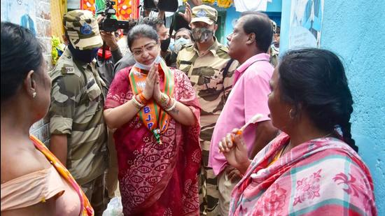 BJP candidate for Bhabanipur Priyanka Tibrewal during her election campaign for the upcoming bypoll, in Kolkata on Wednesday. (ANI)