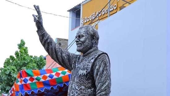 Prime Minister Narendra Modi's sculpture, made with scrap materials, will be installed in Bengaluru.(Photo via Livemint)