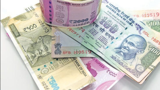 Authorities at Uttar Bihar Gramin Bank (UBGB) on Thursday sprang into action a day after accounts of two Class VI students were allegedly credited with a total of <span class='webrupee'>₹</span>962 crore in Bihar's Katihar district. (Representative image)