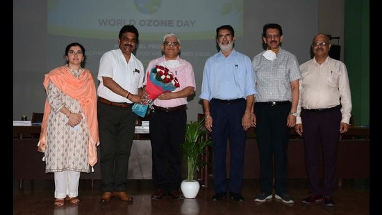 PPCB plans to tackle stubble burning with systematic coordinated efforts in districts with poor compliance, chairman Adarsh Pal Vig said in PAU on Thursday. In the photo, he is being felicitated. (HT Photo)