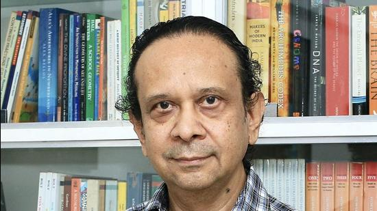 Renowned physicist and professor at the Inter-University Centre for Astronomy and Astrophysics (IUCAA), Thanu Padmanabhan passed away after suffering a heart attack at his official residence in Pune on Friday. (HT)