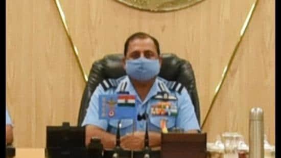 Air Chief Marshal RKS Bhadauria addressing CAC annual commanders' conference at CAC HQ in Prayagraj. (Courtesy: IAF)