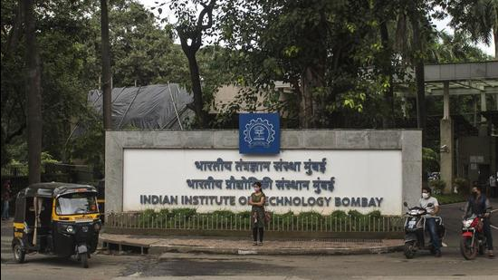 A recent study by a group of five researchers from IIT-Bombay led by Neeraj Kumbhakarna, professor from the department of Mechanical Engineering, demonstrated a new technique to effectively reduce measurement errors when soot is present in low amounts (HT FILE)