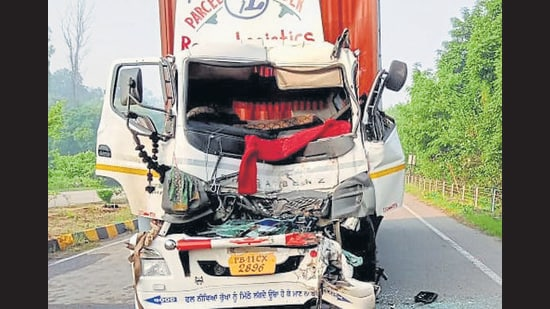 The trucker was going towards Khanna, in Ludhiana, when he collided with another stationary truck, which was wrongly parked. The impact of the collision was such he was killed on the spot. (HT PHOTO )