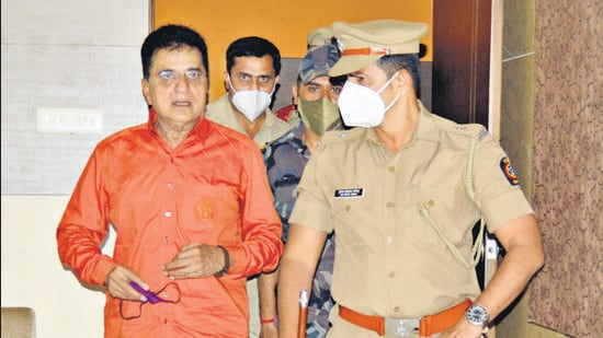 Kirit Somaiya, Former BJP MP, on Monday claimed he was stopped and detained by police at Karad in western Maharashtra while he was on his way to Kolhapur. (HT PHOTO)