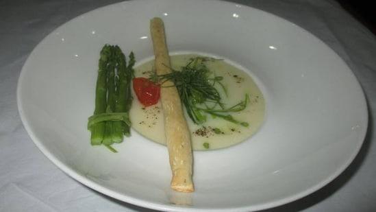 Recipe: Soothe Monday blues with nourishing mushroom olive and asparagus soup(Vikhroli Cucina)
