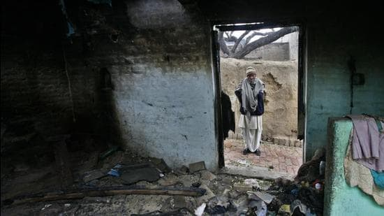 Police had registered 510 cases and arrested 1,480 people in connection with the 2013 Muzaffarnagar riots. (HT file photo)