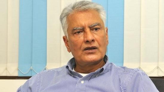 Sunil Jakhar 'baffled' by Harish Rawat's 'Sidhu to lead Punjab polls' statement - Hindustan Times