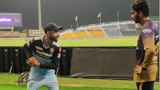 Virat Kohli sharing batting tips with KKR batsman Venkatesh Iyer(Screengrab from video on KKR's Instagram)