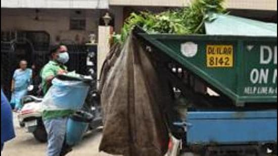 Household waste should be segregated into the three mandated categories of non-biodegradable (dry waste), biodegradable (wet waste) and domestic hazardous waste. (Raj K Raj/HT PHOTO)