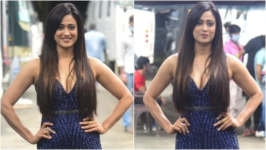 Television actor Shweta Tiwari was snapped on the sets of Khatron Ke Khiladi 11 on Tuesday. Shweta and all the other contestants, including Sana Makbul, Nikki Tamboli, and Vishal Aditya Singh, will be shooting the finale of the reality TV show. The star wore a gorgeous ensemble for the occasion and left us smitten.(HT Photo/Varinder Chawla)