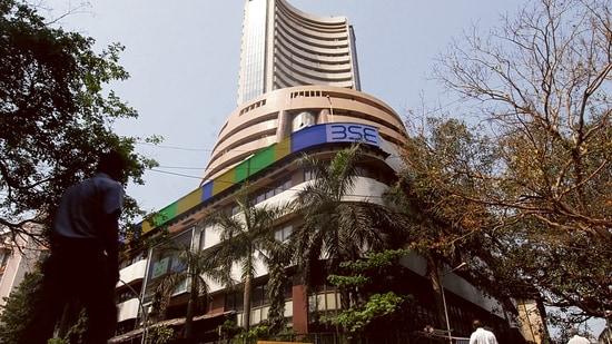 Tech Mahindra, M&M, HCL Tech and Bajaj Auto were among the gainers.
