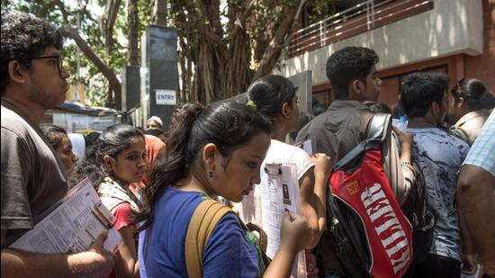 The Maharashtra State Common Entrance Test (CET) examinations have begun for various professional courses and attendance for this examination is at 85 per cent. (HT (FOR REPRESENTATIONAL PURPOSE ONLY))