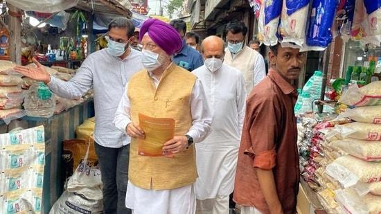 Union minister Hardeep Singh Puri in Bhabanipur (Twitter)