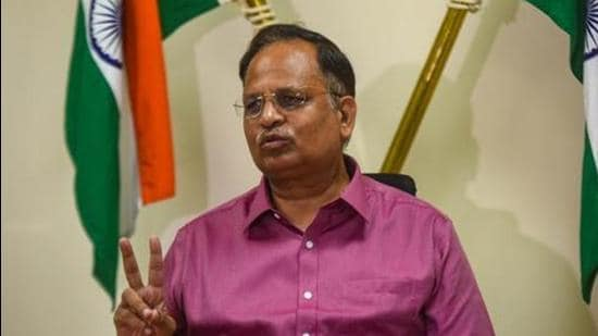 Delhi water minister Satyendar Jain said that the Delhi Jal Board will install reverse osmosis (RO) plants in areas where groundwater is not fit for use. (Amal KS/HT Photo)