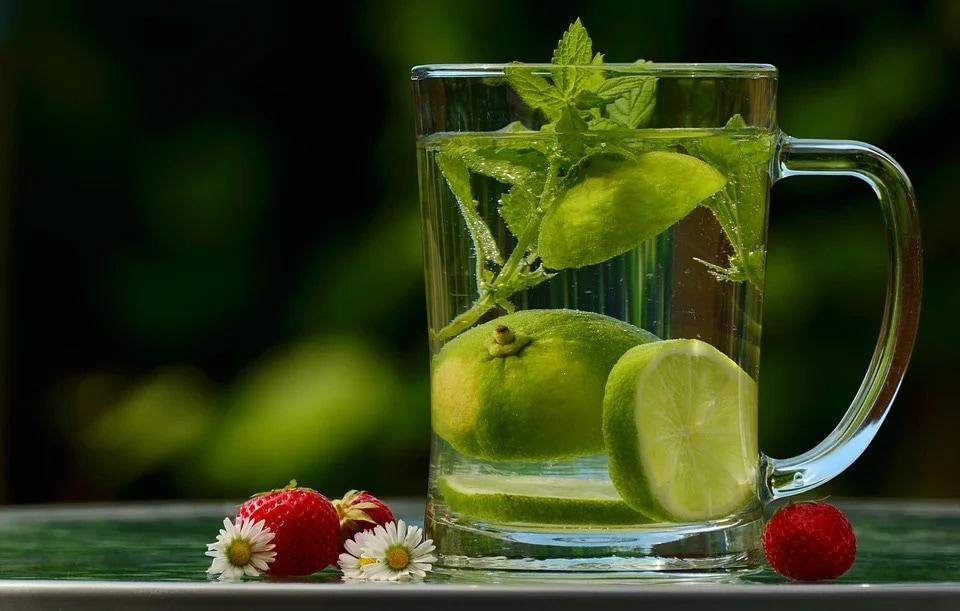 Lemon water(Pixabay)