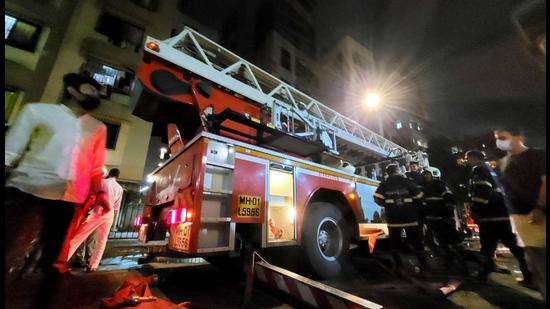 Mumbai Fire Brigade found that the firefighting system of the Khar building was not working. (HT FILE)