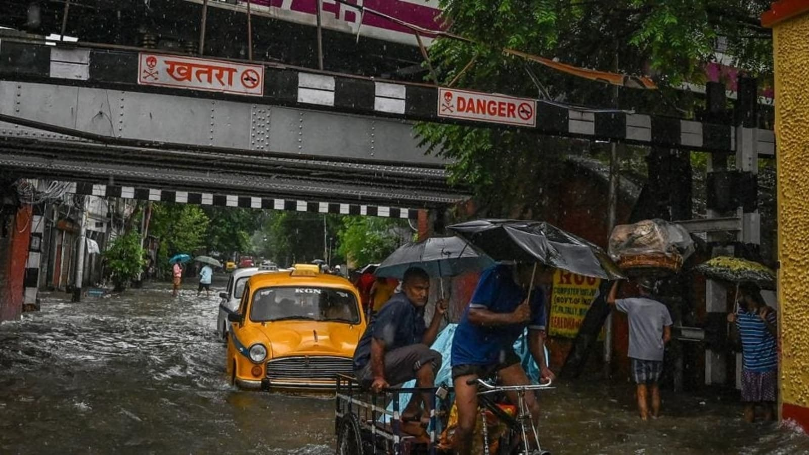 Cyclone Gulab: West Bengal govt cancels leave of all state staff till October 5