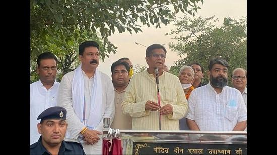 Haryana BJP president Om Prakash Dhankar addressing people in Ambala on Saturday. (HT Photo)