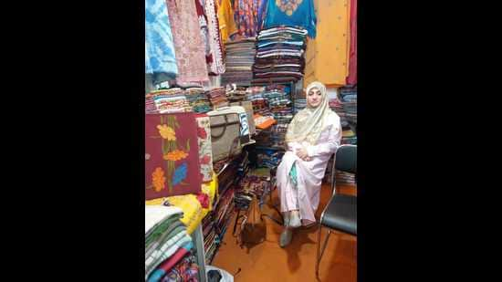 Syed Tabasum, who is one of the leading eco-friendly entrepreneurs in Kashmir valley, says women need to take matters into their own hands to empower themselves, their families and other women. (HT PHOTO)