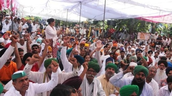 Farmers have been protesting against the Centre's three farm laws since November last year.(HT PHOTO)