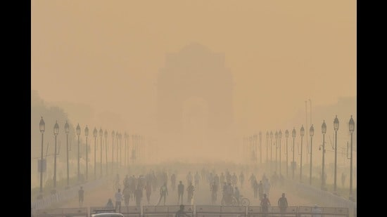 For India, this is a reminder of the folly of neglecting everyday air pollution and fixating on seasonal peaks in the national Capital. Tens of crore are being spent on ineffective boondoggles such as smog towers in Delhi, while other cities are receiving paltry budget allocations, reflecting the disconnect between intent and action. (Sanchit Khanna/HT PHOTO)
