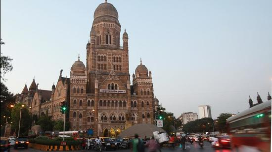 As the ward-wise mapping for each of the 24 administrative wards is now complete, the civic body has integrated this data with its annual Flood Preparedness Guidelines 2021 and started to act upon them. Of the 386 waterlogging spots, 178 have already been tackled by the civic body and 164 have work going on to mitigate flooding, as per its survey. Eleven spots have not been tackled by the civic body, stated the survey. (Hindustan Times)