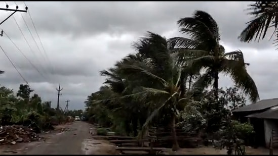 Strong winds and heavy rainfall have been witnessed in Srikakulam district of Andhra Pradesh as Cyclone Gulab landfall continues. (Screengrab from video by ANI)