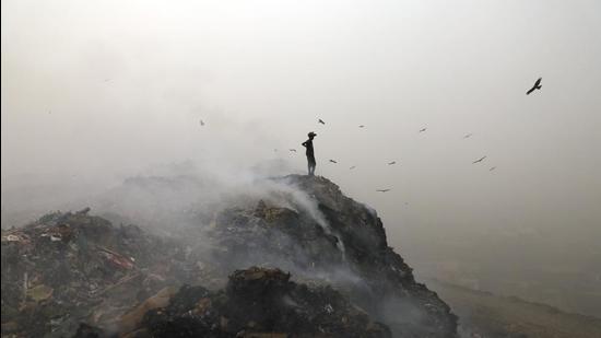 The Bhalswa landfill — one of Delhi's three garbage mountains. (Sanchit Khanna/HT PHOTO)