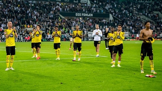 Borussia Dortmund players after the result.(Getty)