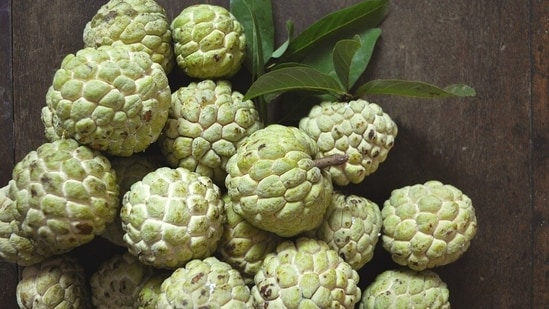 Eat custard apple or sitaphal to reduce risk of diabetes and blood pressure    Health - Hindustan Times