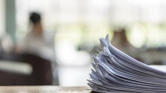 Govt school teacher suspended over fake certificates(Getty Images/iStockphoto)